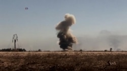 US Officials: IS Militants Losing Territory After Strikes