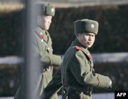 Janubiy Koreya 650 ming, Shimoliy Koreya esa taxminan 1 million kishilik armiyaga ega