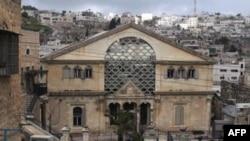Город Хеврон, расположенный на Западном берегу реки Иордан, является святыней для мусульман и евреев