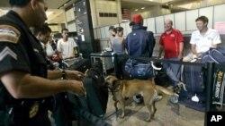 В международном аэропорту Лос-Анджелеса (архивное фото)