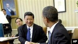 14일 백악관에서 바락 오바마 미 대통령과 만난 시진핑 중국 국가부주석 (왼쪽)