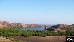 Pulau Komodo, NTT, yang dinominasikan sebagai salah satu dari tujuh keajaiban dunia.