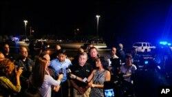 Gwamnan jihar Louisiana yana jawabi bayan mugun aika aikar a garin Lafayette