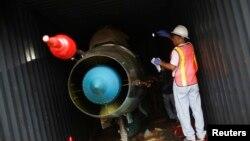 북한 '청전강'호에서 발견된 미그-21 전투기 (자료사진)