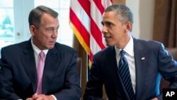 美國總統奧巴馬(右)和國會眾議院議長共和黨籍的約翰.貝納。