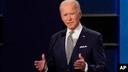 စက္တင္ဘာလ ၂၉ ရက္ေန႔က ျပဳလုပ္ခဲ့တဲ့ သမၼတေလာင္း ႏွစ္ ေယာက္ရဲ႕ ပထမအႀကိမ္ စကားႏိုင္လုပြဲမွာ ဒီမုိကရက္ပါတီ သမၼတေလာင္း Joe Biden ။