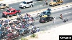Situaciones como esta se repiten en Venezuela sin que sean controladas por las autoridades. [Foto: Twittter].