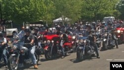 The US Marine Corps Veterans Club ride and rally gets under way in May 2012. (A. Phillips/VOA)