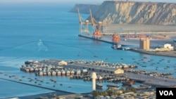 چین پدې هیله دی که د ګوادر بندر له لارې منځني ختیځ او مرکزي آسیا ته تجارتي لار پیدا کړي.