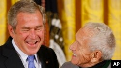 Два художника: Джордж Буш и Андрю Виет