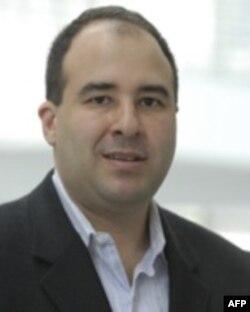Baher Azmi, Ismoil Samadovning advokati