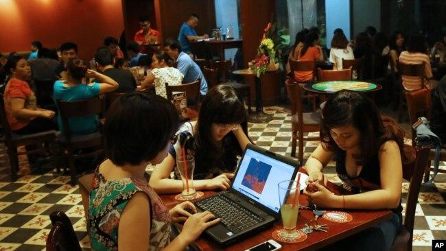 Việt Nam có phần lớn dân số sử dụng internet và mạng xã hội