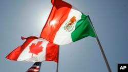En general, los estadounidenses fueron mucho menos proclives que los canadienses o los mexicanos a considerar que el libre comercio ayuda a su país.