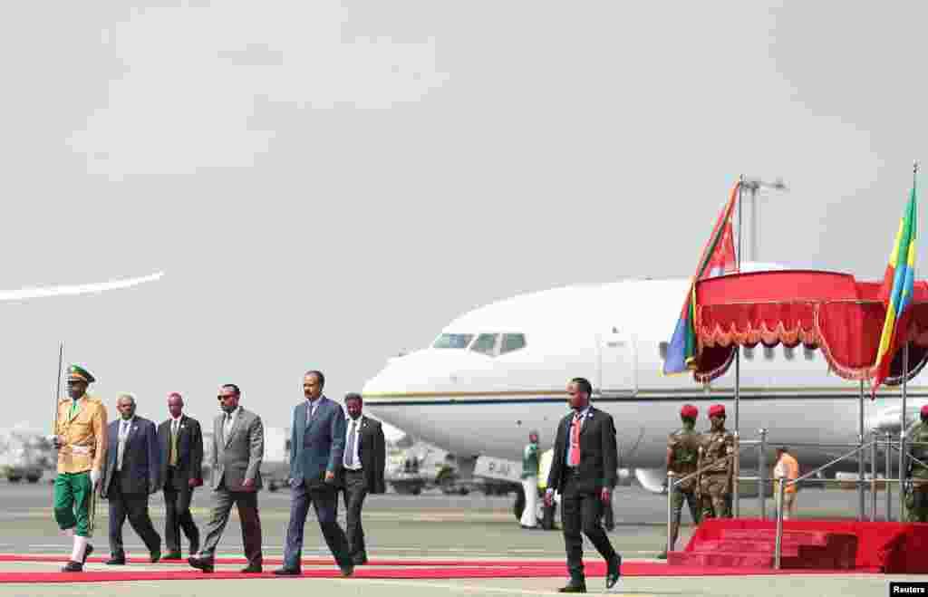 Baadhi ya viongozi wa Ethiopian waliofika kumpokea Rais wa Eritrea