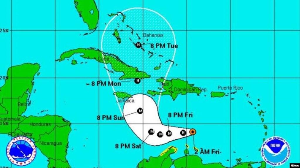 Hurricane Matthews Edge Whips at Aruba Bonaire Curacao