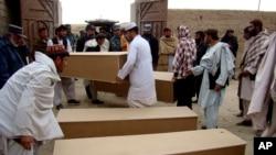 De enero a junio de 2013, 1.319 los civiles afganos murieron y 2.533 resultaron heridos.