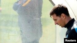 Lionel Messi es acusado de ocultar sus ganancias para evitar pagar impuestos.