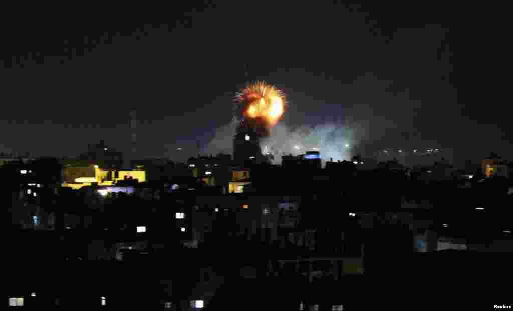 İsrail Qəzza Zolağındakı Rəfah şəhərinə hava hücumları edir - 11 iyul, 2014