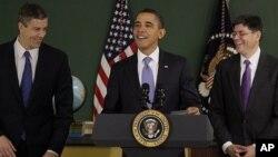 Tổng thống Obama và Chánh Văn Phòng Tòa Bạch Ốc Jack Lew (phải).
