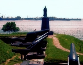 Cannon at Fort McHenry in Baltimore harbor