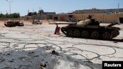 Ikiduga ca gisirikare ca reta yemewe n'amakungu yaturiwe mu micungararo ya Tripoli, Libiya itariki 28/05/2019.