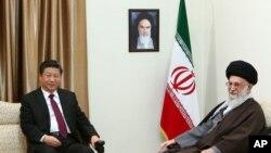 伊朗最高領袖哈梅內伊 (右) 會見中國國家主席習近平 (左)