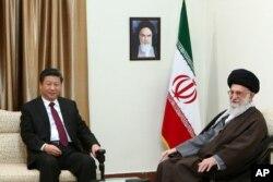 ملاقات شی جین پینگ، رئیس جمهور چین، با آیت الله علی خامنه ای، رهبر ایران