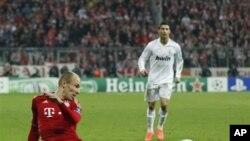 Klub Real Madrid harus menelan kekalahan 2-1 dari klub Bayern Munich dalam babak semifinal Liga Champions.