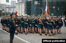 ရရွားဖက္ဒေရးရွင္းနိုင္ငံ Victory Day of Great Patriotic War (၇၅) ႏွစ္ေျမာက္အထိမ္းအမွတ္ စစ္ေရးျပအခမ္းအနား ျမင္ကြင္းတခု။ (ဓာတ္ပံု - Sr. Gen. Min Aung Hlaing - ဇြန္ ၂၄၊ ၂၀၂၀)