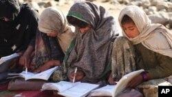 حدود ۲۵۰۰ دختر در مدرسه یی در شهر کندهار مصروف آموزش اند