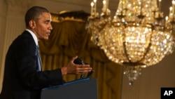 El presidente Barack Obama dijo en una entrevista que el despliegue de tropas estadounidenses adicionales en Irak se debe a una nueva fase en la estrategia.