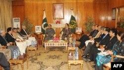 Pakistan ordu generalı hərbi çevriliş barədə məlumatları rədd edib