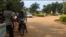 Dans les rues de Cotonou, Bénin, le 16 octobre 2016. (VOA/Ginette Fleure Adande)