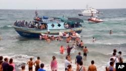 Spasavanje migranata nadomak obala Italije stalna pojava (arhivski snimak)