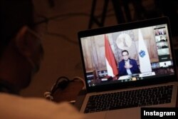 Gubernur DKI Jakarta, Anies Baswedan, saat melakukan tele-conference terkait perebakan virus Corona di Jakarta. (Foto: IG/@aniesbaswedan)