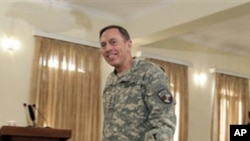 北約駐阿富汗部隊司令彼得雷烏斯將軍(資料圖片)