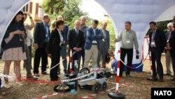 """Фото з сайту НАТО: """"Нові наукові проекти НАТО допомагають боротися з тероризмом"""""""