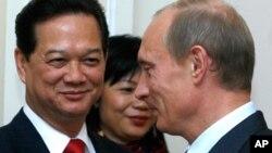 Tổng thống Nga Vladimir Putin và Thủ tướng Việt Nam Nguyễn Tấn Dũng.