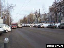 西伯利亚中部主要城市托木斯克市中心的秋季一景。托木斯克近邻新西伯利亚市。(美国之音白桦拍摄)