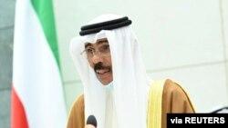 Emir Kuwait Nawaf al-Ahmad al-Sabah di gedung parlemen di Kuwait City, Kuwait, 30 September 2020. (Kuwait News Agency/Handout via REUTERS).