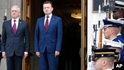 Джеймс Мэттис и Мариуш Блащак