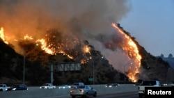 """Пожар """"Гетти"""" в Лос-Анджелесе, 28 октября 2019 года"""