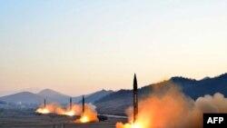 Một vụ phóng tên lửa đạn đạo của Bắc Hàn.