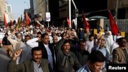 برطرفیوں کے خلاف پاکستان میں صحافی تنظیمیں سراپا احتجاج رہی ہیں۔ (فائل فوٹو)