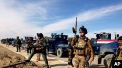 Pasukan Keamanan Irak bersiap untuk menyerang al-Qaeda di Ramadi, 115 kilometer (70 mil) barat Baghdad, Irak, 2 Februari 2014. (Foto: AP)