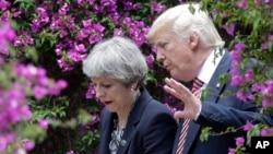 美国总统川普与英国首相特蕾莎梅今年5月在意大利会面。(资料照片)