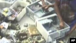 การกำจัดขยะอิเล็คโทรนิค เป็นปัญหาที่กำลังลุกลามอยู่ในทวีปแอฟริกา
