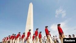 Upacara pembukaan kembali Monumen Washington di Washington DC, Senin (12/5).