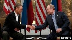 Başkan Obama ve Rusya devlet Başkanı Vladimir Putin G8 zirvesinde ikili görüşme yaptı