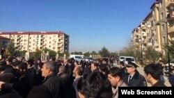 """Etiraz aksiyası (Foto Facebookda """"Sancaq"""" profilindən götürülüb)"""